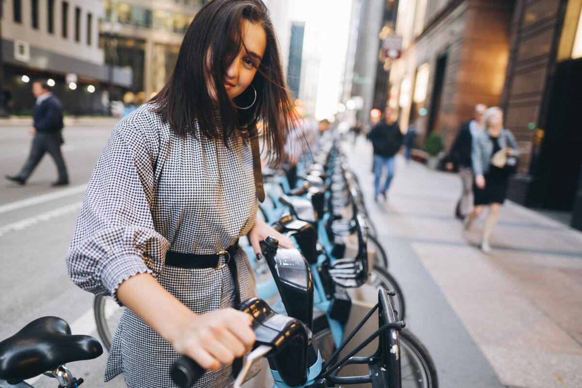La bicicletta in città: risparmi in denaro e guadagni in salute