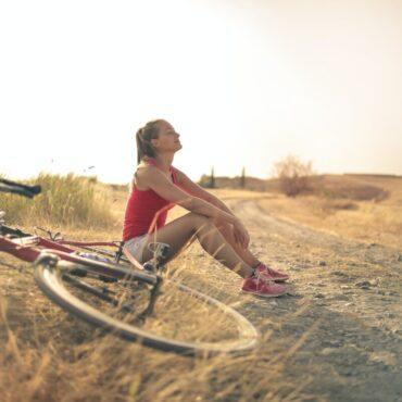 Fare sport con regolarità aiuta a mantersi giovani